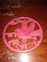 Trivet Hot Pad - Red Metal Circle Footed Hanging Hummingbird Decor in Fort Leonard Wood, Missouri