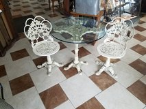 Vintage 3 piece cast metal patio set in Fort Leonard Wood, Missouri