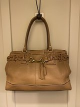 coach leather bag in St. Charles, Illinois