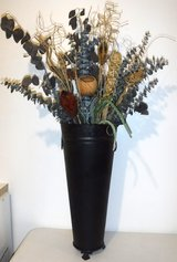 Black Metal Vase w/artificial Plants ~ 3ft Tall Home Decor in Chicago, Illinois