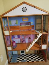 Girls Doll house, books, toys and more in Byron, Georgia