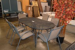 Patio Table with 6 chairs in Tacoma, Washington