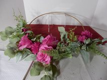 "16"" Pink Roses on Wire Frame Wreath in Aurora, Illinois"