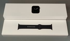 Brand NEW Series 5 Apple Watch in Camp Lejeune, North Carolina