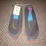 New with Tags! Comfortable Girls Slip On Sport Shoes Sz 4 in Naperville, Illinois
