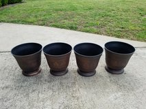4 Large Outdoor Plastic Pots in Fort Campbell, Kentucky