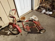 Vintage Tricycle Metal Bike in Chicago, Illinois