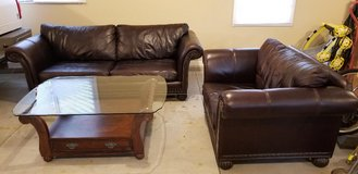 Leather couch set in Chicago, Illinois