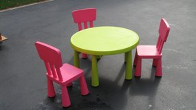 Kids Table & Chairs in Orland Park, Illinois