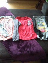 Boys size 5 tops in St. Charles, Illinois