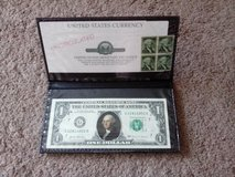 GEORGE WASHINGTON COLORIZED NOVELTY ONE DOLLAR $1 BILL IN FOLDER AND WITH STAMPS in Tinley Park, Illinois