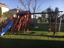 Play set looking for a new home in Chicago, Illinois