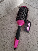 Brand New Barrel Hairbrush in Chicago, Illinois