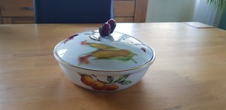 Royal Worcester - Evesham Gold - Covered Casserole small in Ramstein, Germany
