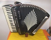 Titano Accordion in Fort Leonard Wood, Missouri