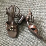 Like new! Women's Sandals Shoes Axcess Sz 6 in Westmont, Illinois