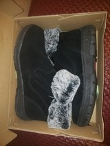 NWT boots size 10 women's in Travis AFB, California