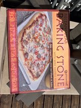 Pizza stone with rack in Wiesbaden, GE