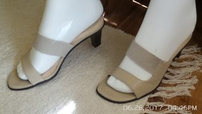 SUMMER BEIGE SHOES SIZE 5.5 in Plainfield, Illinois