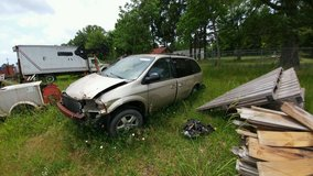 wreck chrysler van motor and transmission in Cleveland, Texas