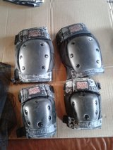 Tony hawk knee and elbow pads have 2 set 10$ each in Batavia, Illinois