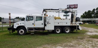 2004 freightlner FL80 in Livingston, Texas