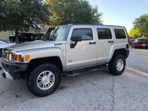 2008 Hummer H3 in Lackland AFB, Texas