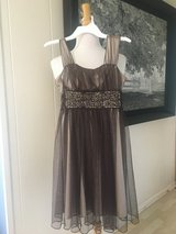 Like new! Pretty! Girls Sleeveless Dress - Sz 10 in Naperville, Illinois