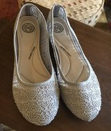 Women's Size 10 Shoes in St. Charles, Illinois