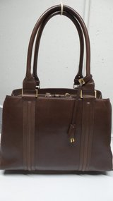 LARGE GRAY BROWN SMOOTH LEATHER PURSE/HANDBAG BY ELLEN TRACY in Plainfield, Illinois