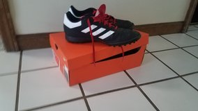 Teen/Men's Soccer Cleats, Size 9.5 in Naperville, Illinois