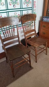 Antique Oak Chairs in Chicago, Illinois