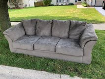 *** FREE COUCH *** in Naperville, Illinois