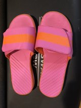 Big Girls Size 4 Lands End water swim sports  Slide Sandals Shoes in Naperville, Illinois