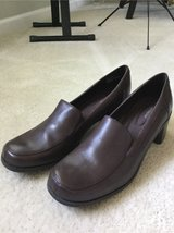 New Woman's Shoe sz 11 in Chicago, Illinois