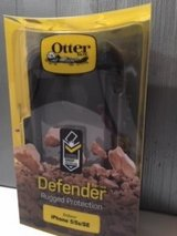 Otter Box Defender for Iphone 5/5S/SE  and protective screen cover (picture not shown). Both bra... in Batavia, Illinois