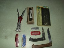 9 knifes in Fort Knox, Kentucky