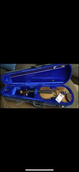 NEW 3/4 violin (paid $200) in Fort Campbell, Kentucky