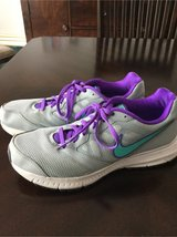 Women's Nike shoes sz 11 in Chicago, Illinois