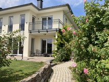 Chic duplex-house close to the city surrounded by beautiful nature! in Wiesbaden, GE