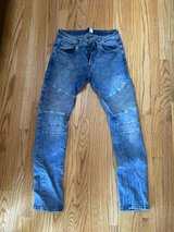 Men's size 34 jeans in Chicago, Illinois