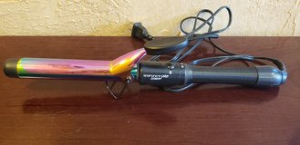 Conair Infiniti Pro Rainbow Curling Iron in Chicago, Illinois