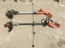 Black & Decker Weed wackers x 2 with 1 battery & charger in Alamogordo, New Mexico