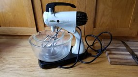 Sunbeam Stand Mixer - Model 12 - with original FireKing bowls in Chicago, Illinois
