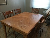 Wood Table and 5 x Chairs in Alamogordo, New Mexico