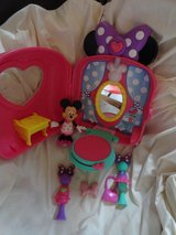 Minnie Mouse Dress Up and Go Carry Case with Accesories in Lakenheath, UK