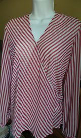 NINE & COMPANY STRIPE RED & WHITE WRAP TIE BACK LONG SLEEVES SIZE SMALL in Chicago, Illinois
