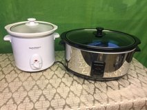 2 slow cooker & 2 books in Ramstein, Germany