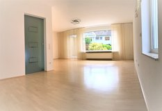 Nice house in Mainz 11mile to Clay 4BR 3bath 1670sqf in Wiesbaden, GE