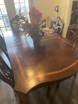 dining room table and chairs in Hinesville, Georgia